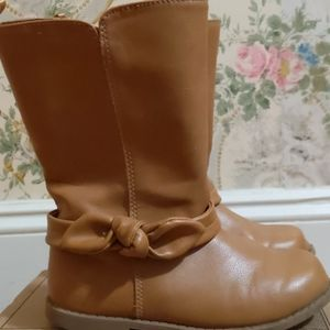Toddler Old Navy Bow boot in Tan